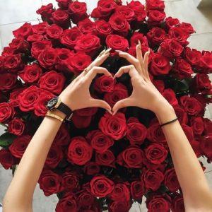 3 cosas que siente una mujer cuando le envías flores a domicilio